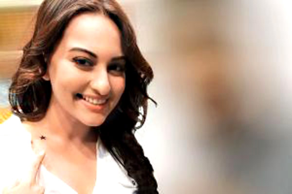 Sonakshi Sinha gets a tattoo - View pic!