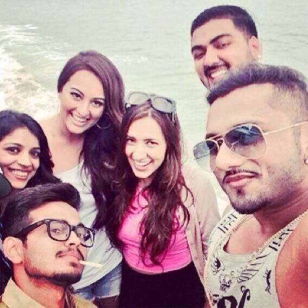 Sonakshi Sinha to dance once again on Yo Yo Honey Singh's tune-View Pic!