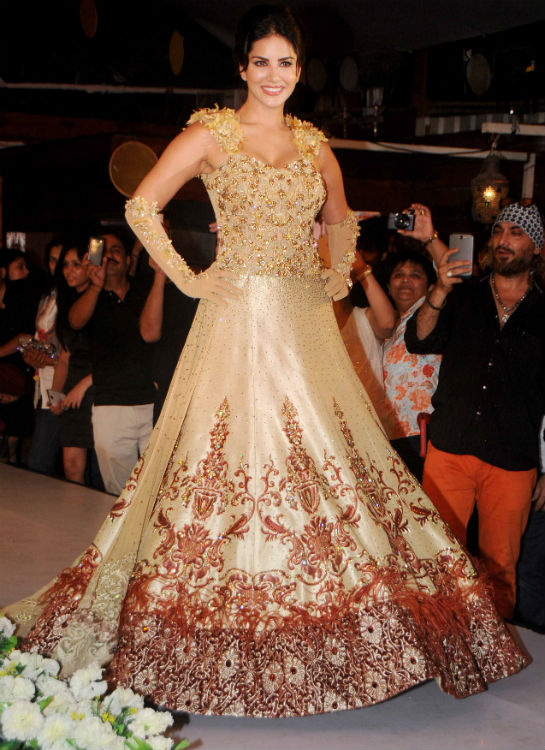 Sunny Leone turns showstopper for Rohit Verma