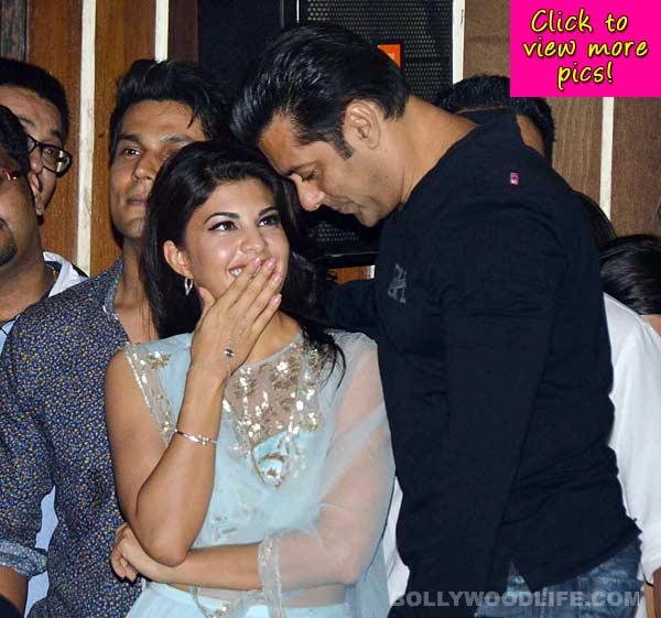 Salman Khan unveils the trailer of Kick - View pics!