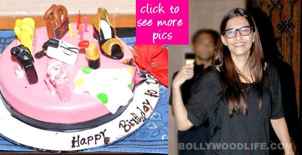 Sonam Kapoor cuts fancy cakes on her 29th birthday!