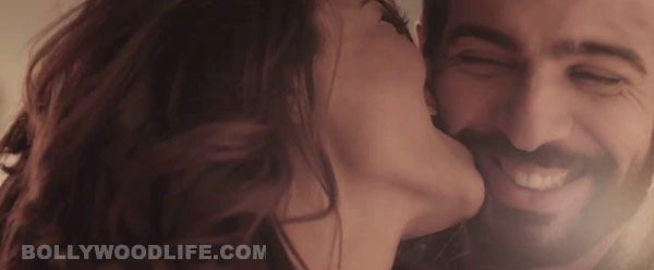 Hate Story 2 Aaj phir song making: Jay Bhanushali's explicit lovemaking scenes with Surveen Chawla – watch video!