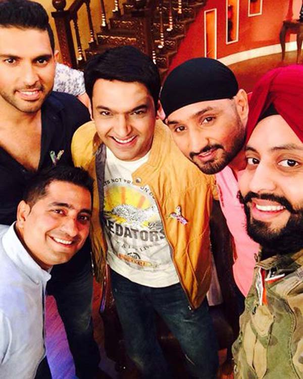 Comedy Nights with Kapil: Yuvraj Singh and Harbhajan Singh play cricket with Kapil Sharma
