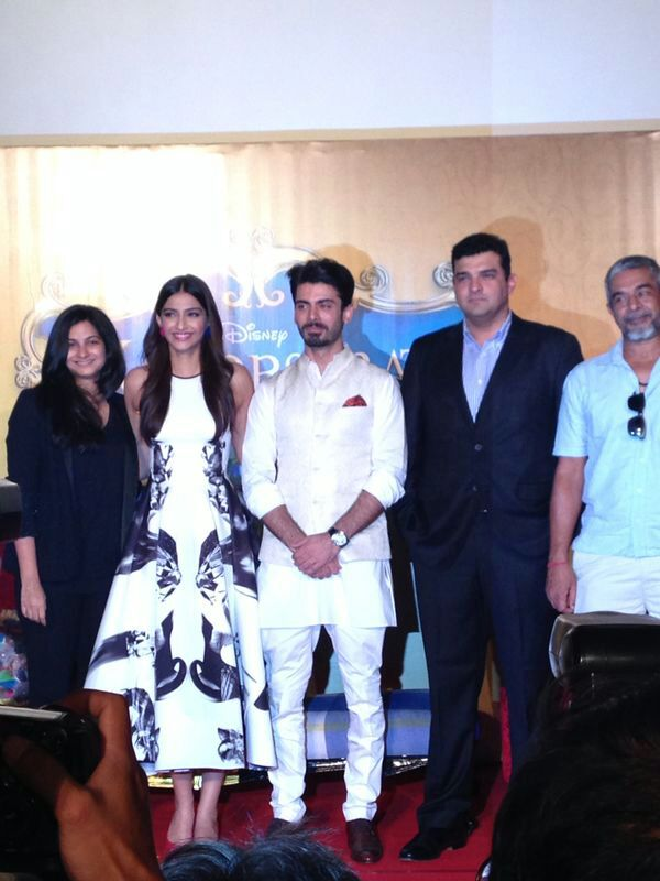 Sonam Kapoor with Team Khoobsurat at the trailer launch- View pics!
