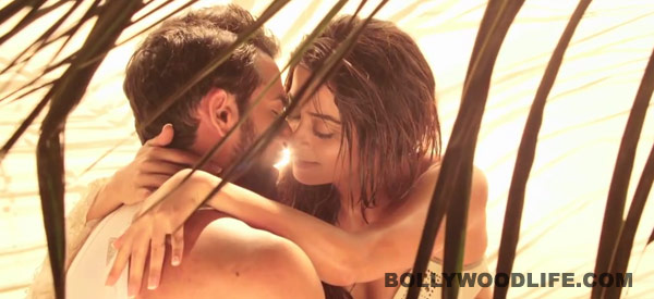 Hate Story 2 quick movie review: Surveen Chawla and Jay Bhanushali's erotic revenge saga delivers as promised