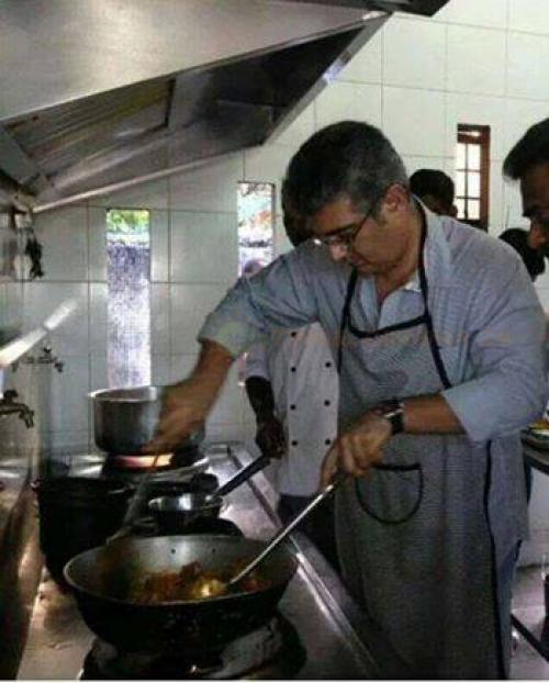 After Vijay, Ajith cooks biryani for his film crew!
