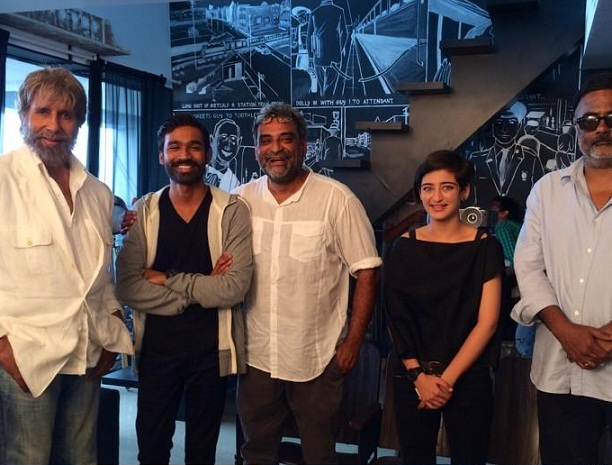 Dhanush celebrates Velai Illa Pattadhaari's success with Amitabh Bachchan and Akshara Haasan!