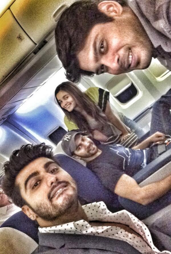 Arjun Kapoor clicks a humphie with Alia Bhatt, Siddharth Shukla and Varun Dhawan