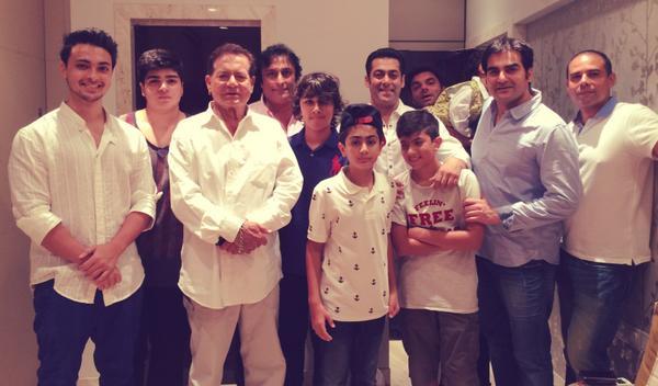 Salman Khan celebrates Eid with family-View pics!