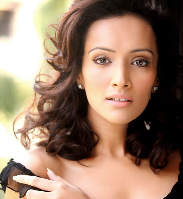 Dipannita Sharma plays paranormal character in Pizza 3D