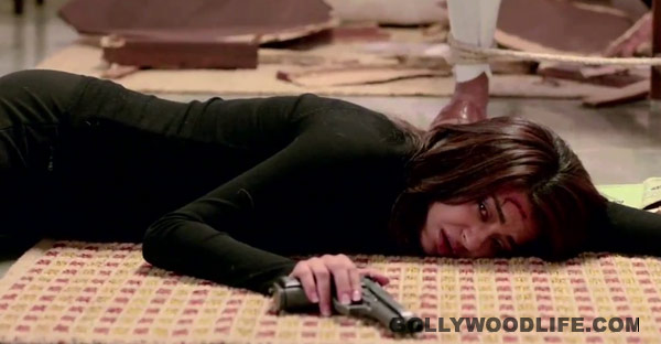 Hate Story 2 dialogue promo: Surveen Chawla is a killer mix of sex appeal and menace!