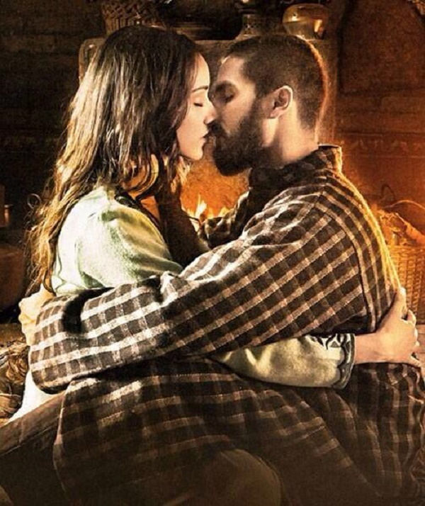 Have you seen Shahid Kapoor and Shraddha Kapoor kiss in Haider? View pics!