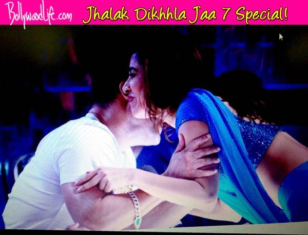 Jhalak Dikhhla Jaa 7: Sophie Choudry kisses Salman Khan!