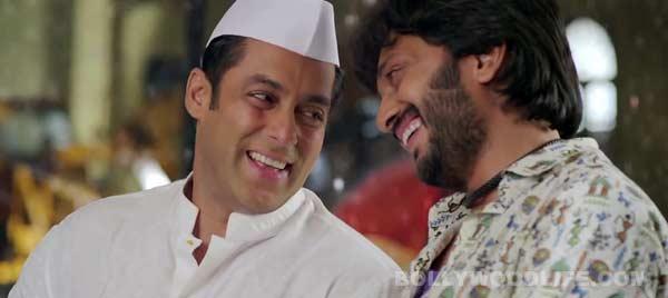 Salman Khan discusses his love life with Riteish Deshmukh - Watch Lai Bhaari promo!