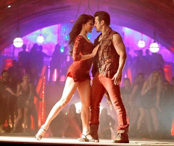 Salman Khan and Jacqueline Fernandez's Jumme Ki Raat from Kick the most downloaded song