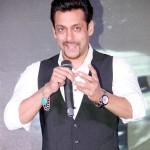 Salman Khan lends support to Kamal Sadanah's directorial debut!