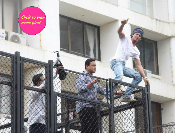 Shah Rukh Khan wishes his fans a happy Eid-view pics!