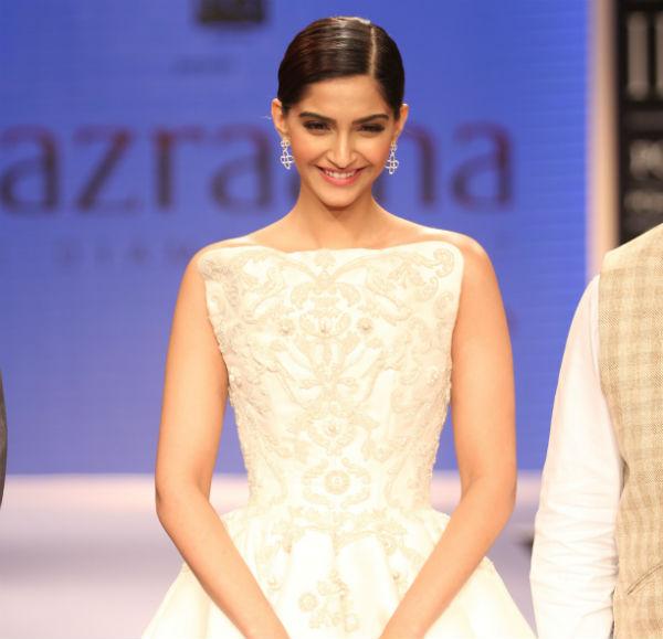 Sonam Kapoor wants a house in Dubai