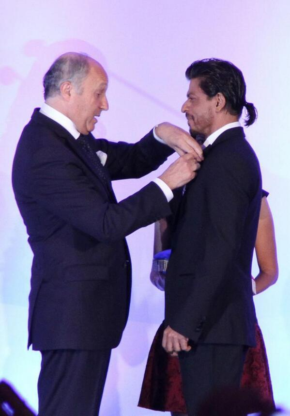Shah Rukh Khan receives the highest honour of France