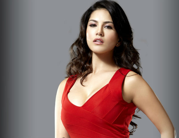 Who made sexy Sunny Leone nervous?