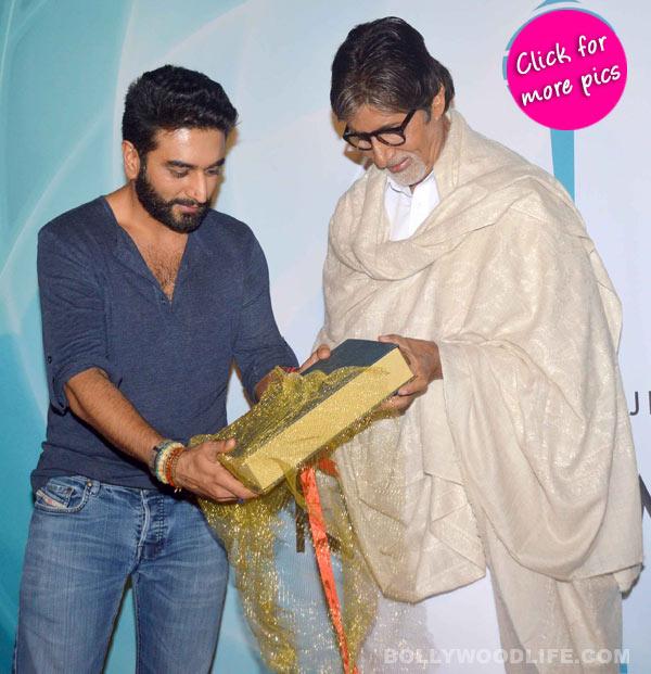 Amitabh Bachchan launches Shekhar Ravjiani's new single Hanuman Chalisa-view pics!