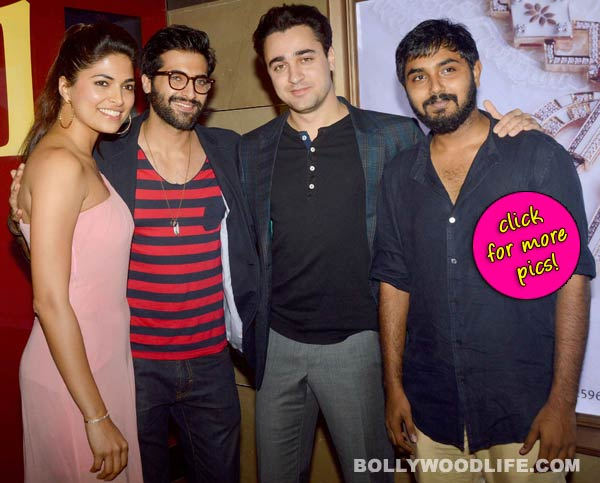Imran Khan poses with Dipannita Sharma,Parvathy Omanakuttan and Akshay Oberoi at the premiere of Pizza 3D-view pics!