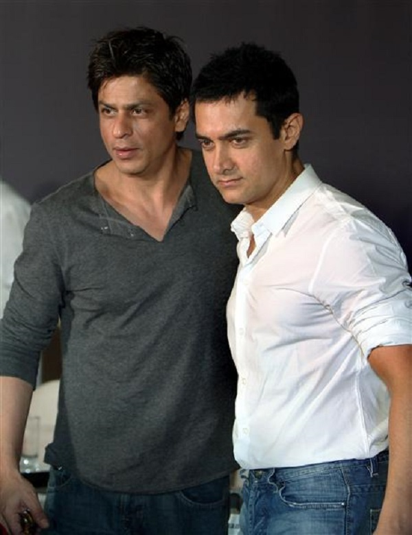 Was Shah Rukh Khan the first person to see Aamir Khan's PK poster?