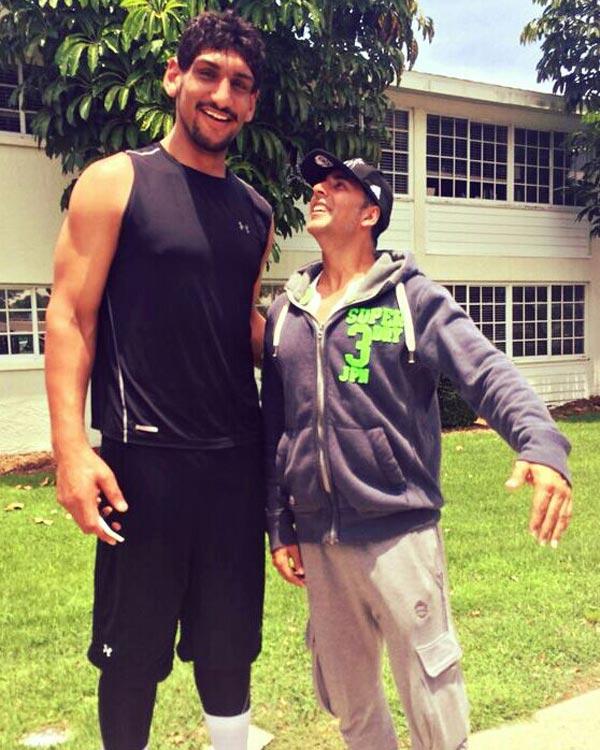 Why is Akshay Kumar inspired by basketball player Satnam Singh?