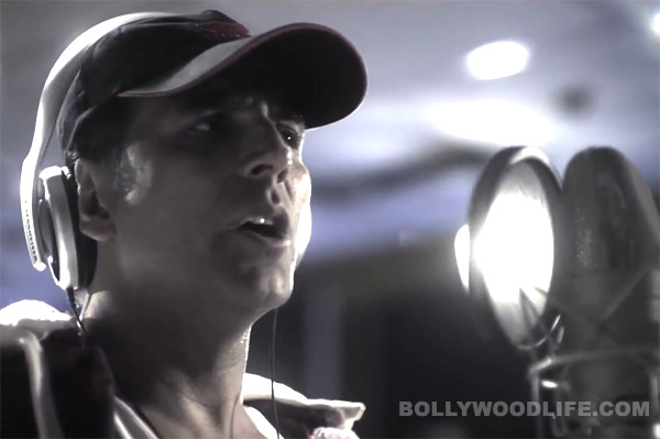 Akshay Kumar sings Honda commercial song - watch video!