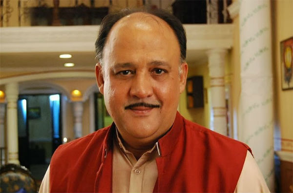 Why does Alok Nath not have a wife in any show?