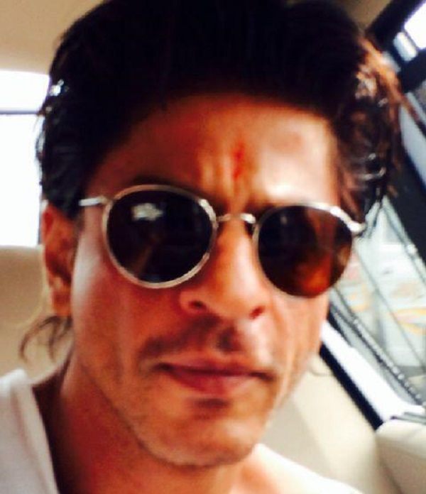 Shah Rukh Khan finishes off Raksha Bandhan in style!