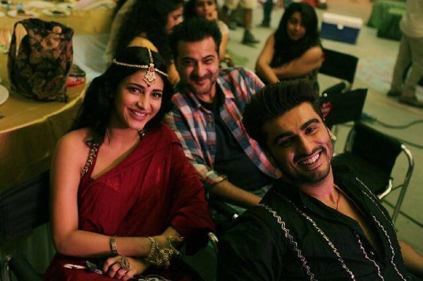 Shruti Haasan shakes a leg with Arjun Kapoor for Tevar's item song!