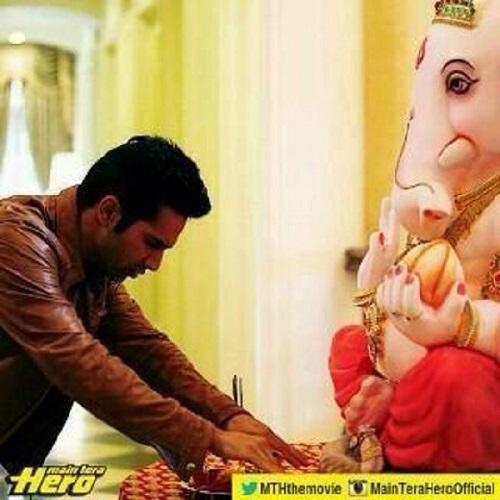 Ganesh Chaturthi 2014: Varun Dhawan calls Ganpati as his favourite deity!