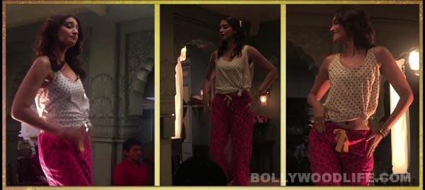 Sonam Kapoor: Engine ki seeti is my item number - Watch video!