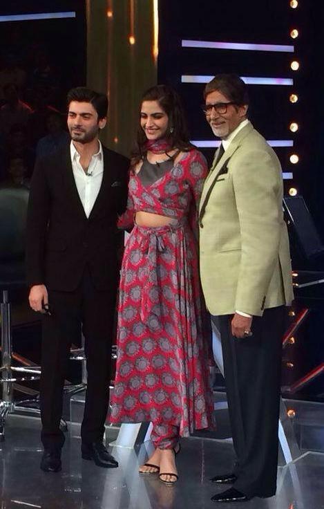 Kaun Banega Crorepati 8: Sonam Kapoor poses in a stylish Surendri outfit with Amitabh Bachchan and Fawad Khan-view pic!