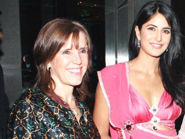Katrina Kaif has mommy's approval to marry Ranbir Kapoor