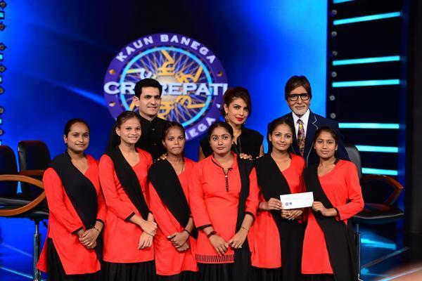 Priyanka Chopra on the sets of Amitabh Bachchan's Kaun Banega Crorepati 8 - view pic!