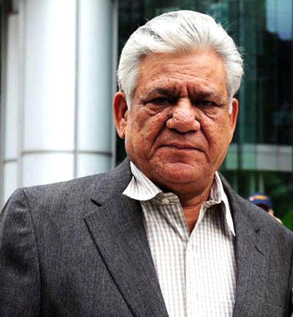 Om Puri recovers post mouth surgery!