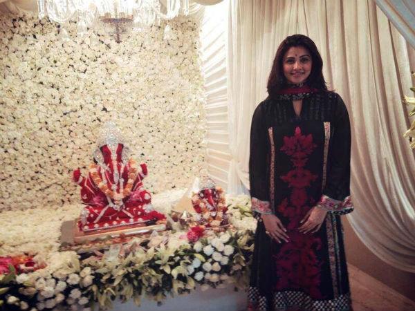 Ganesh Festival 2014: Salman Khan's former co-star Daisy Shah attends Ganpati celebrations at his residence-view pic!