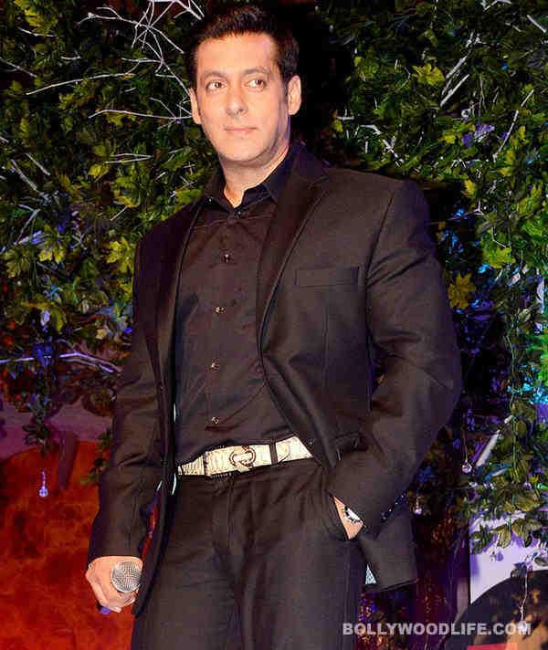 Salman Khan pets a tiger!