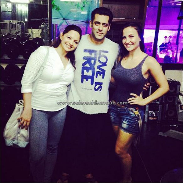 Elli Avram,Salman Khan's arm candy at Arpita Khan's birthday bash - view pic!