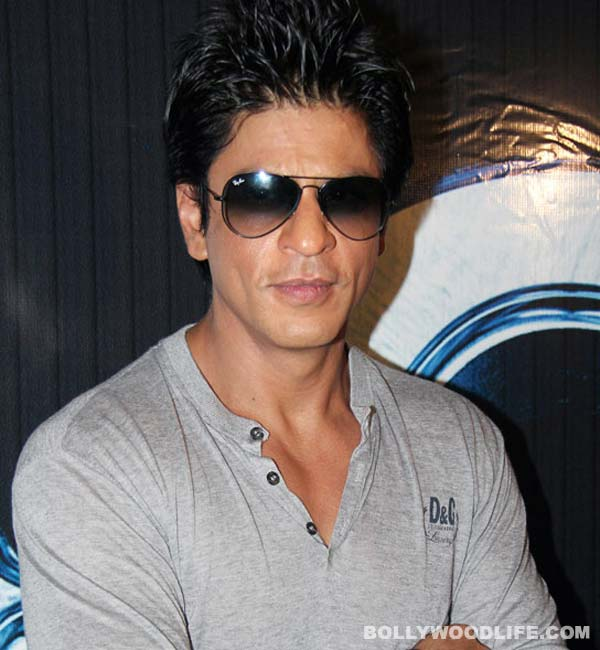 Shah Rukh Khan's Raees not postponed, clarifies Rahul Dholakia!