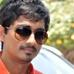 Sarath Kumar to play a negative role in Sandamarutham!