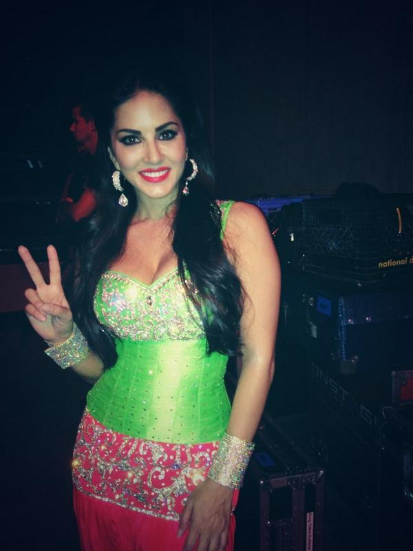 Sunny Leone gets ready to hit the stage- View pic!