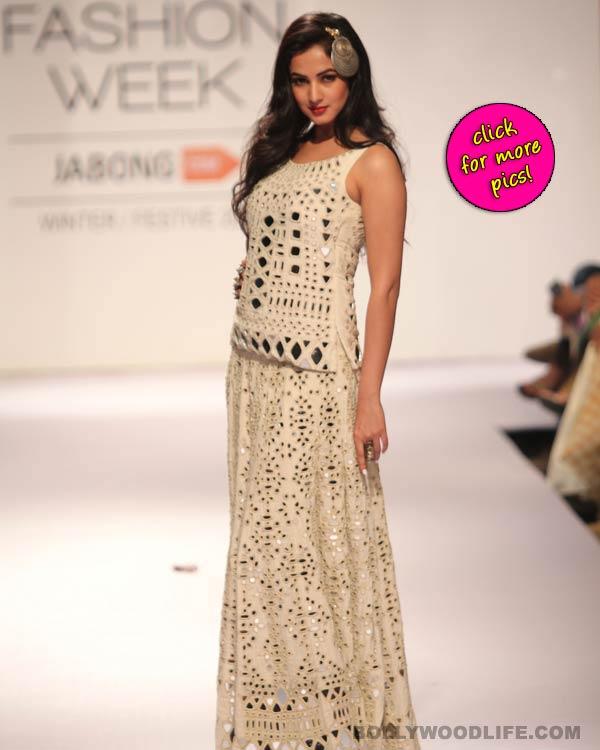 Sonal Chauhan walks the ramp at Lakme Fashion Week - View pics!