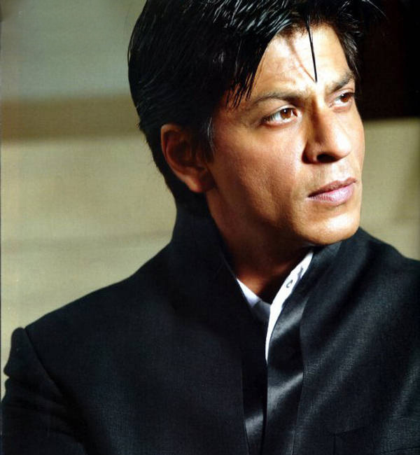 Shah Rukh Khan to start shooting for Fan and Raees next year!