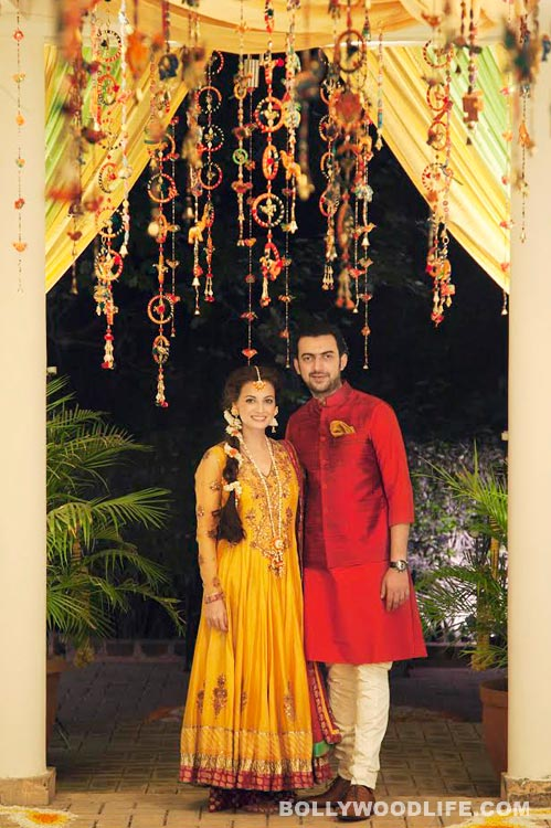 Dia Mirza and Saahil Sangha look gorgeous in their mehendi outfits – View pic!