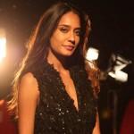 Lisa Haydon: I am single, Varun Dhawan is not engaged!