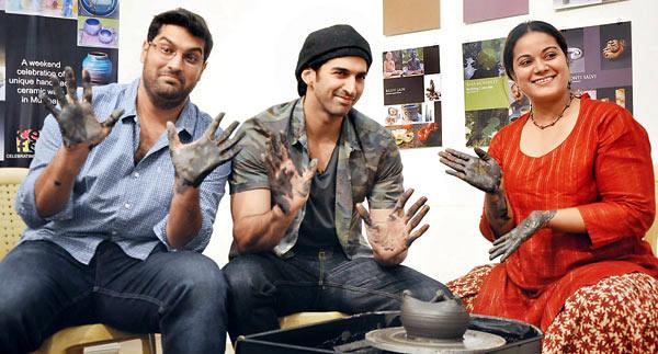 Aditya Roy Kapur's pottery interest! - Bollywoodlife.com