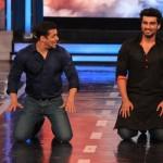 Bigg Boss 8 highlights: Arjun Kapoor has a push-up face off with Salman Khan, Gautam Gulati does a perfect imitation of the latter!